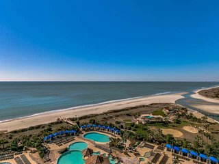 2.5 Acre Pool Complx,Fitness/Spa,Wifi,Oceanfront N BeachTowers 1BR1BACondo.Sleep