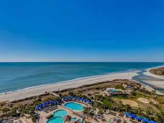 JUNE DISCOUNT!! 2.5 Acre Pool Complx,Fitness,Oceanfront N BeachTowers DLX Suite1
