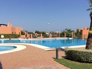 Luxury apartment,garden&playhouse,great location!, Benahavís