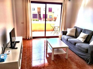 2 bedroom apartment in centre of town - FREE INTERNET, Caleta de Fuste