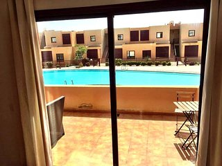 2 bedroom apartment in centre of town - FREE INTERNET