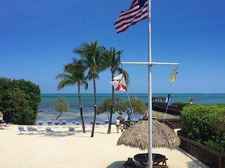 Fantastic 2BR+2BR Ocean view suites for 12 guests, Tavernier Key