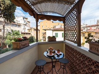 Perfect Charming-Ponte Vecchio-Terrace-Views-A++Reviews-Washer-Casetta Bonsi