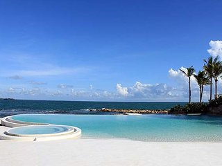 Villa 128, Casa de Campo - Ideal for Couples and Families, Beautiful Pool and