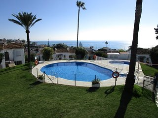 Top floor apartment in corner with sevieaw and sun all day, Malaga - Marbella
