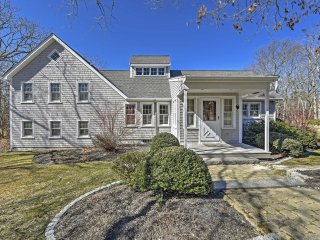 New! Private 4BR Edgartown House - Near Beach!