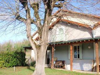 4 Bedroom Farm House in Allmans/Riberac, Allemans
