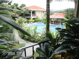 Luxury Second floor Condo #5 with pool view, Jaco