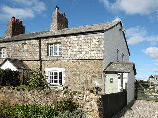 1 ARTHUR COTTAGES, semi-detached, character, pretty gardens, near Lifton, Ref 95