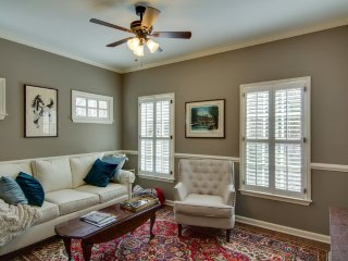 86 1/2 Newly Renovated with Outdoor Space, Charleston