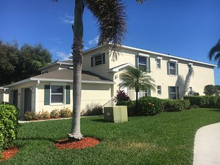 Beautiful Fully Furnished 3 Bedroom 2 Bath Condo for Rent in Naples, FL