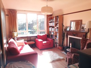 Cosy 2-bed Family Home with Garden in Islington