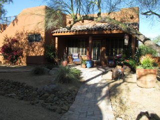 Charming Rustic Private Guest House., Scottsdale
