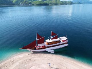 Tunggadewi Sailing Phinisi