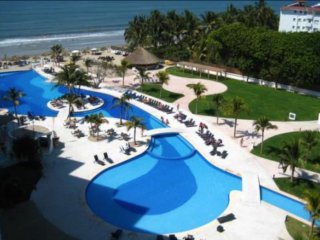 2 BR Nice condo in Nuevo Vallarta Building , Ocean View