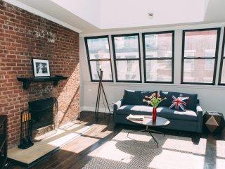 Gorgeous 2BR 1BA penthouse in Chelsea