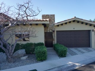 Luxury with 5 Star Amenities! 3 Bed/3.5 bath with spectacular Lands End view