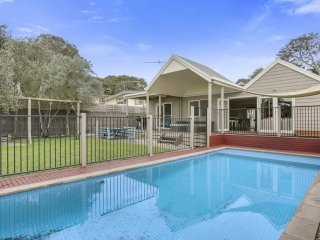 Fern Beach House - renovated & pool