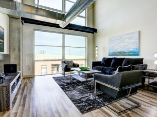 Charming Premier Loft on Market Street by Stay Alfred, Denver