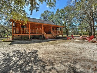 NEW! 2BR Colonel's Island Cabin on 3 Woodland Acres, Midway