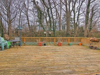 NEW! Charming 1BR Saugatuck Condo w/ Private Deck!