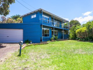 17 TENTH AVENUE POINT ROADKNIGHT, Anglesea