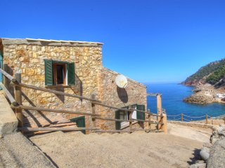 Villa in Cala Estellencs over the sea! Waterfront!