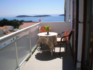 Cosy apartment in Hvar near the beach for 2