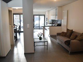 Maison Neuve, Style Loft, terrasse, cour & Jardin