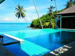 Beach Front Luxury  Unique  Hai Leng Villa  4 BEDROOM