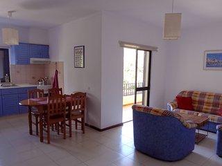 Airy 2 double bedroom apartment Blue 2.4 mi beach, Almancil