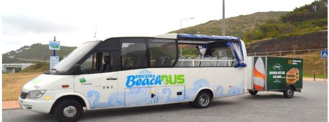 mini-tour bus panoramica, con rimorchio per il trasporto di tavole da surf e la connessione wi-fi, circola f quotidiana