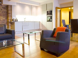 Stunning Two Bedroom Apartment In Shoredich, London