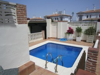 An apartment complete, close to the airport, Malaga, the beach and mountans.