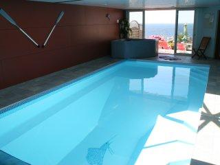 Villa vue mer, piscine chauffée, balnéo, sauna, plage, Moelan sur Mer