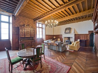 Chateau Sainte Aulaire vacation holiday villa chateau rental france, dordogne