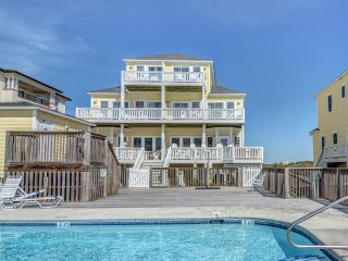 Ocean Front Townhouse - Pool - Private Hot Tub on Ocean Front Deck