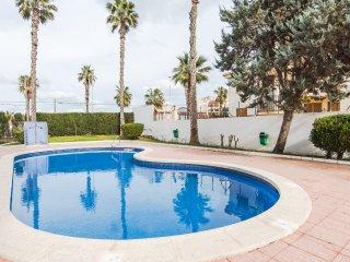 Apartamento de 2 plantas con piscina