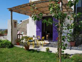 sunny stone home in the country of Ischia island.Just 1,5 km from the port.
