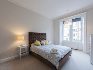 Stunning Edinburgh Flat- 3 Double Bedrooms