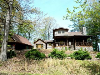 Logger's Landing - 3/BR on the Chattahoochee River!