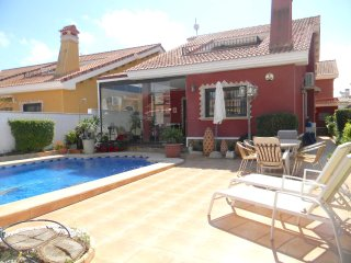 3 bed detached Villa with WiFi and Pool in Villas Maria, El Raso, Guardamar del Segura