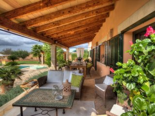 Beautiful country villa for up to 8 people