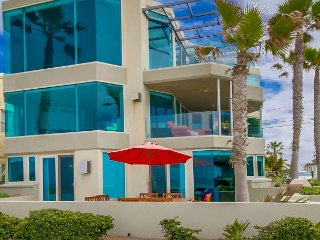 Luxurious Ocean Front, ground floor 3 BD 3BA Condo, garage and private patio