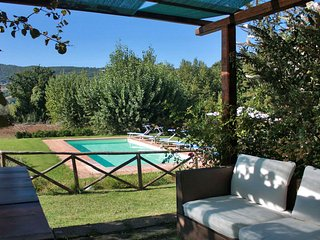VILLA ERICA - Private Villa with Pool, dependance, wi-fi, equipped outdoor space, Todi