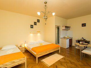 Villa Iveta- Triple Room (Ground Floor)