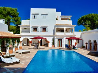 Stunning 8 Bed Luxury Villa with pool and Sea views in Cala Dor