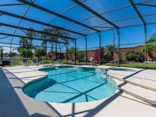Formosa Gardens.  40ft Pool.  Disney 3 Miles, Kissimmee