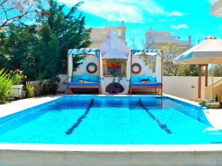 Villa Loutraki:pool-spa-casino