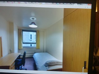 Halls of residence, cosy room,all modern conveniences